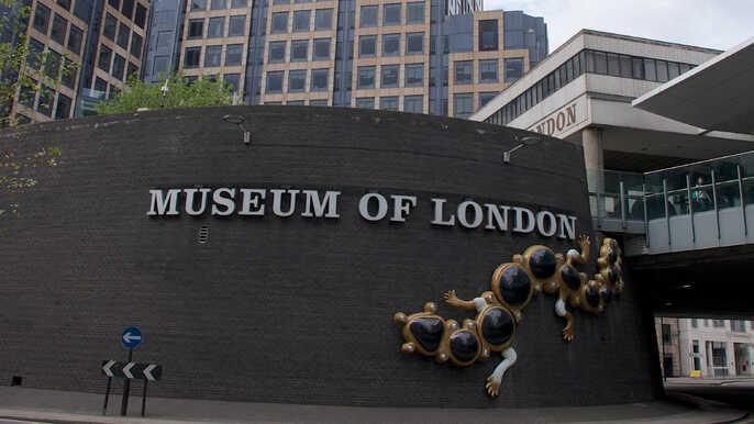Museo de londres, el museum of london te mostrara la historia de Londres desde la época pre romana hasta la actualidad.